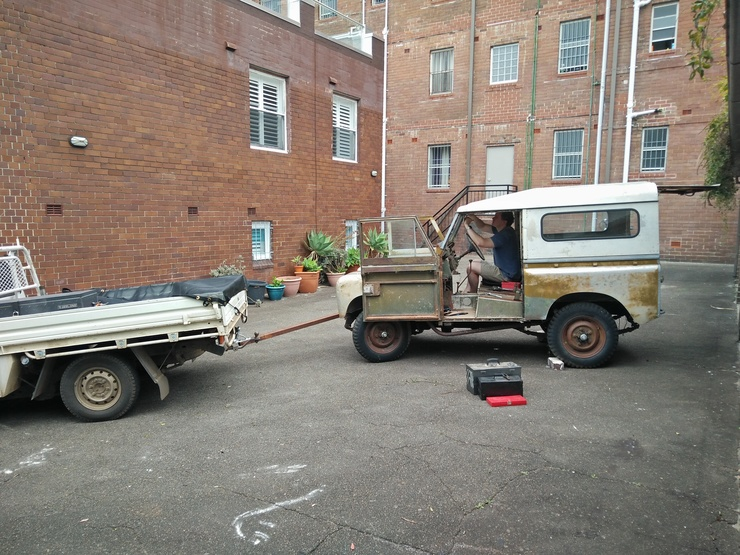 Land Rover roof removal