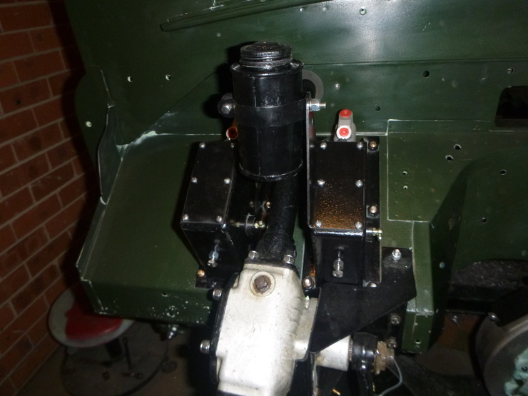 Master cylinder housings and reservoir