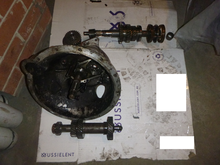 Second pile of gearbox parts