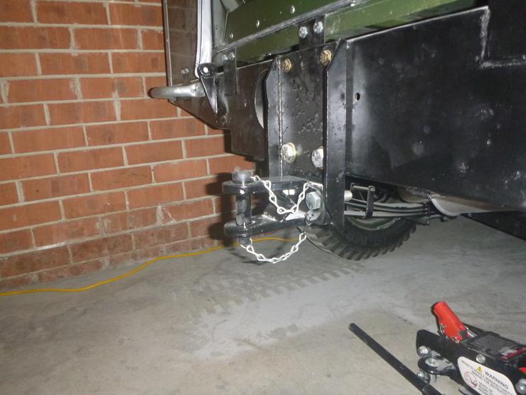 New towing pin in situ